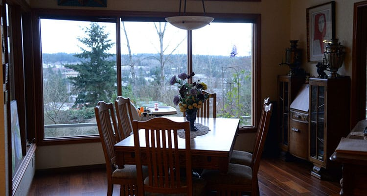 The Dining Room of A Cascade View Bed & Breakfast