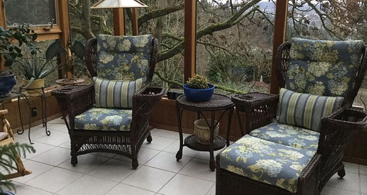 The Sun Room of A Cascade View Bed & Breakfast